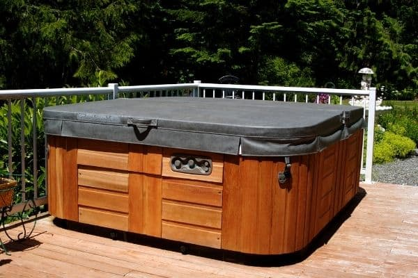 hot tub heats up faster with cover on