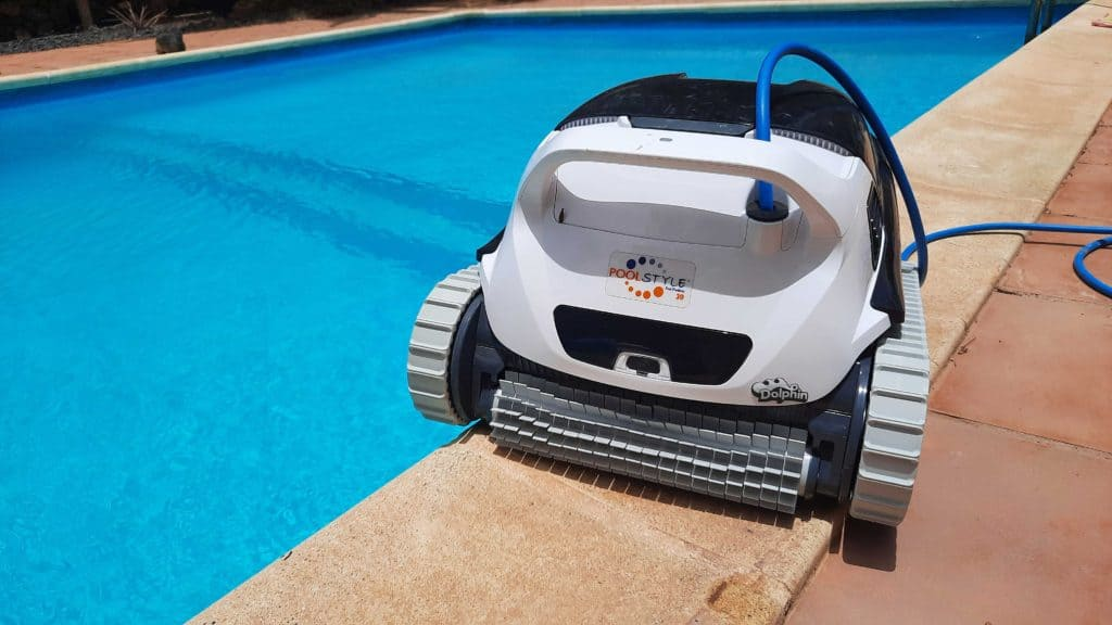Swimming Pool Cleaning Tools - robotic pool cleaner